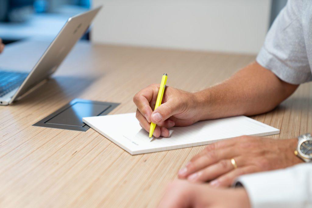 atrete Notizblock mit Stift